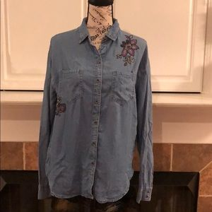 NWOT KNOX ROSE JEAN BUTTON DOWN EMBROIDERED